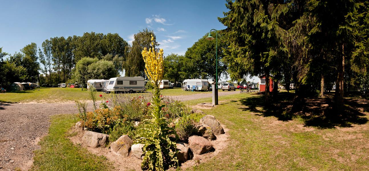 https://www.minicampingcard.eu/wp-content/uploads/2013/04/campingland_7-270x200.jpg