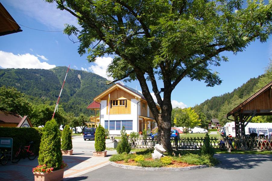 https://www.minicampingcard.eu/wp-content/uploads/2013/05/Alpencamp.9-270x200.jpg