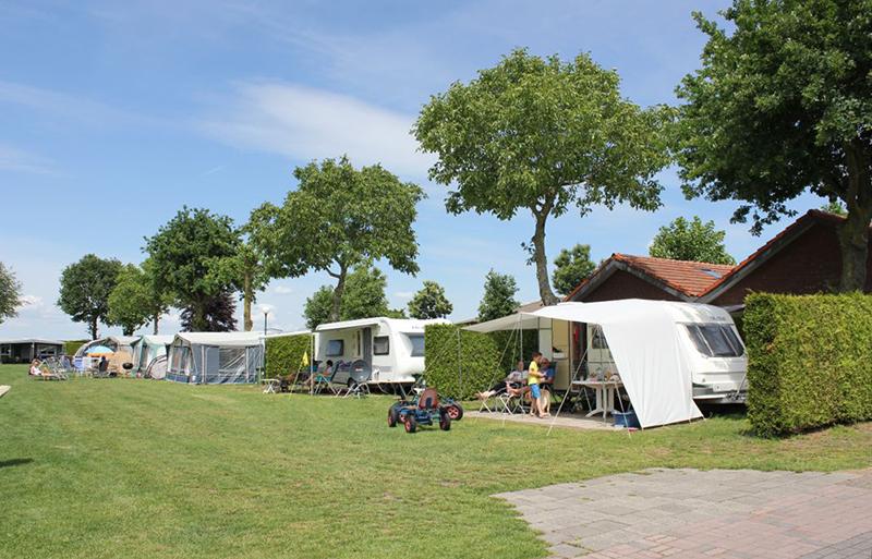 https://www.minicampingcard.eu/wp-content/uploads/2013/10/Camping-Geelenhoof-2019-270x200.jpg