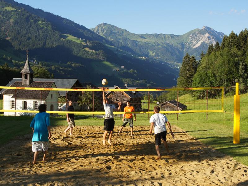 https://www.minicampingcard.eu/wp-content/uploads/2013/11/CampingGrosswalsertal_Beachvolley-270x200.jpg