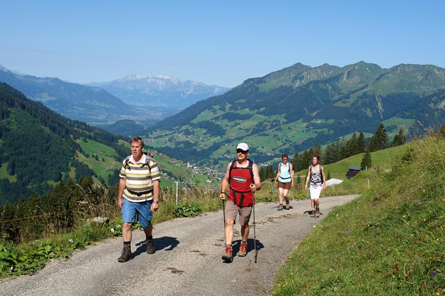 https://www.minicampingcard.eu/wp-content/uploads/2013/11/CampingGrosswalsertal_wandern-270x200.jpg