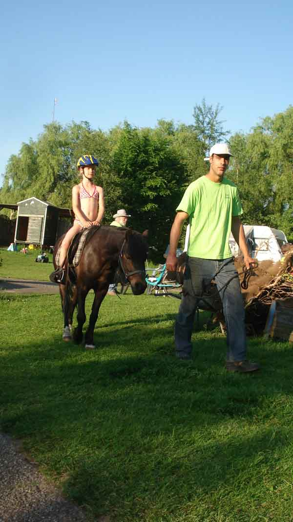 https://www.minicampingcard.eu/wp-content/uploads/2015/07/Camping-2012-mei-014-270x200.jpg