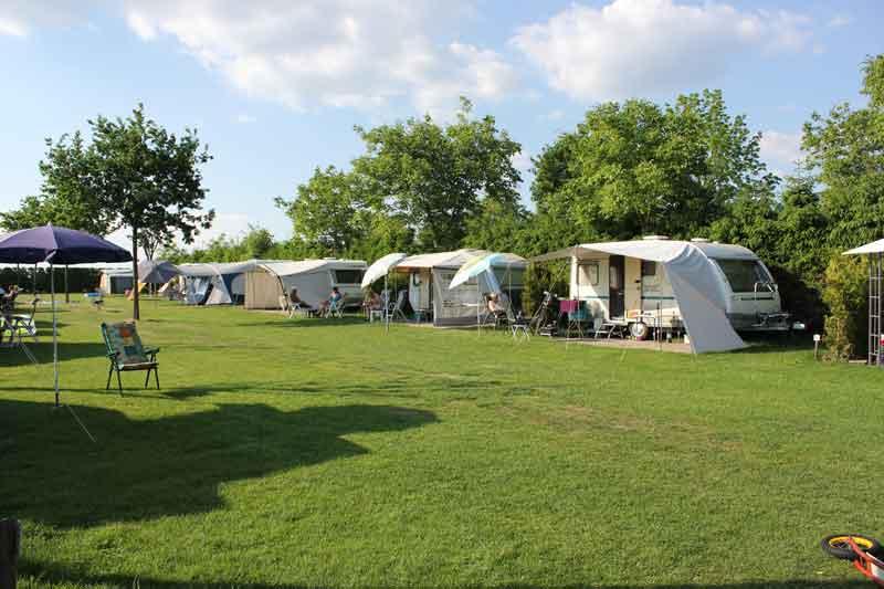 https://www.minicampingcard.eu/wp-content/uploads/2015/07/Campingveld-02-270x200.jpg