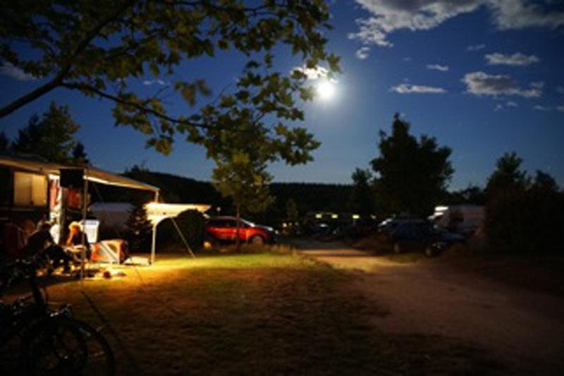 https://www.minicampingcard.eu/wp-content/uploads/2017/10/Avond-op-de-camping-270x200.jpg