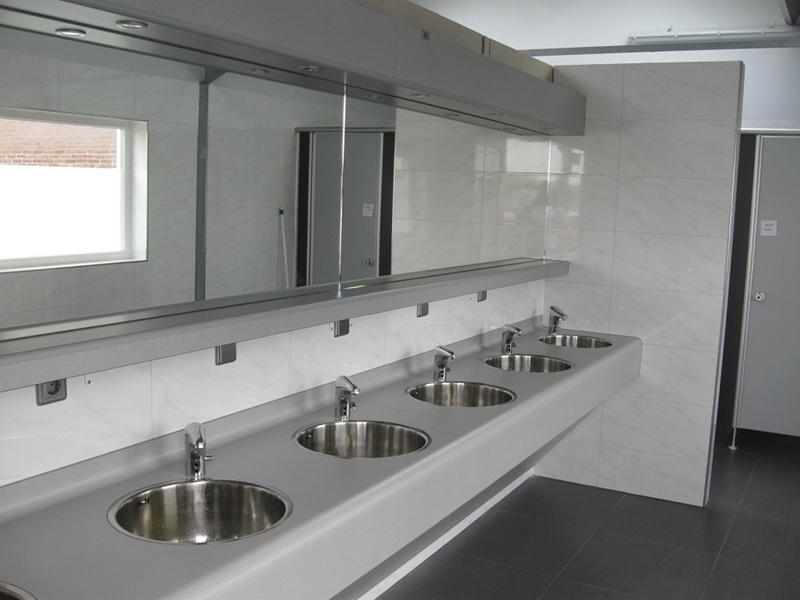https://www.minicampingcard.eu/wp-content/uploads/2018/05/toiletgebouw-wastafels-270x200.jpg