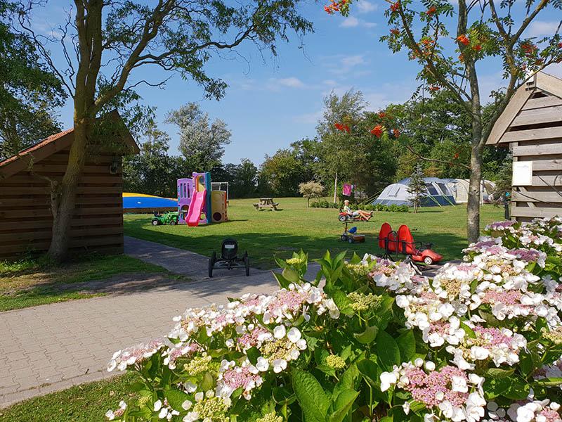https://www.minicampingcard.eu/wp-content/uploads/2018/07/3-Camping-en-Grote-speeltuin-en-airtrampoline-270x200.jpg