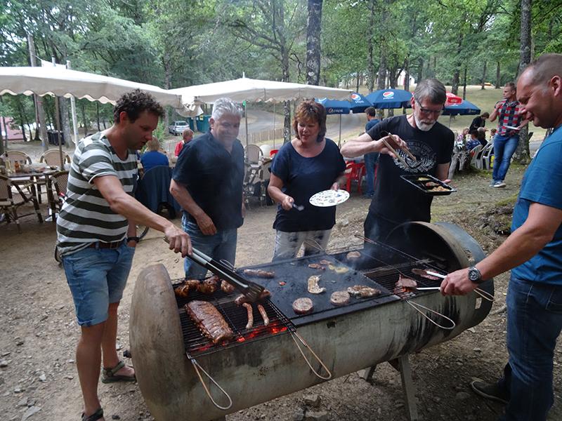 https://www.minicampingcard.eu/wp-content/uploads/2018/07/bbq-28-07-2015-009-270x200.jpg