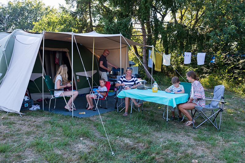 https://www.minicampingcard.eu/wp-content/uploads/2018/10/Camping-familie-270x200.jpg