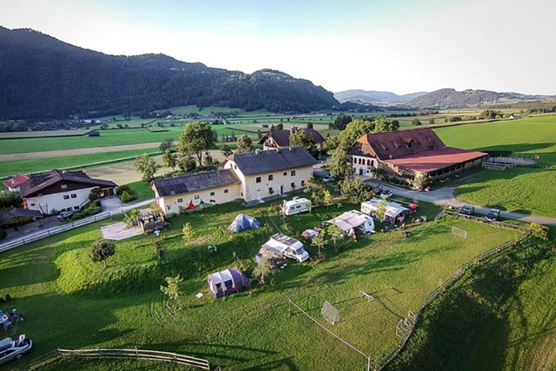 https://www.minicampingcard.eu/wp-content/uploads/2018/10/Campingplatz-Vogelperspektive-2-270x200.jpg