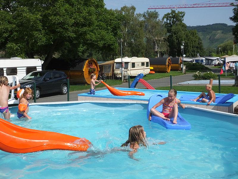 https://www.minicampingcard.eu/wp-content/uploads/2019/08/3-diverse-zwemgelegenheden-inclusief-270x200.jpg