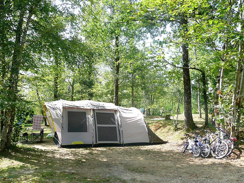 https://www.minicampingcard.eu/wp-content/uploads/2019/09/Camping-Les-Charmes-Tente-vélos-270x200.jpg