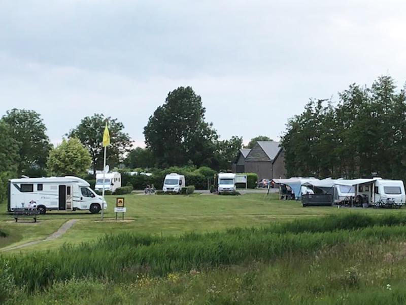 https://www.minicampingcard.eu/wp-content/uploads/2020/06/campers-trekkersveld-270x200.jpg
