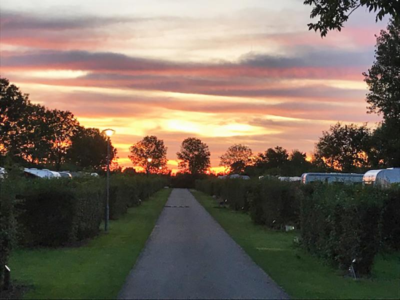 https://www.minicampingcard.eu/wp-content/uploads/2020/06/zonsondergang-camping-2019-270x200.jpg
