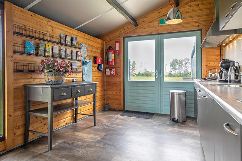 https://www.minicampingcard.eu/wp-content/uploads/2021/09/Code-8954-boerderij-camping-Vrije-Vogel-justinsinner-1-270x200.jpg